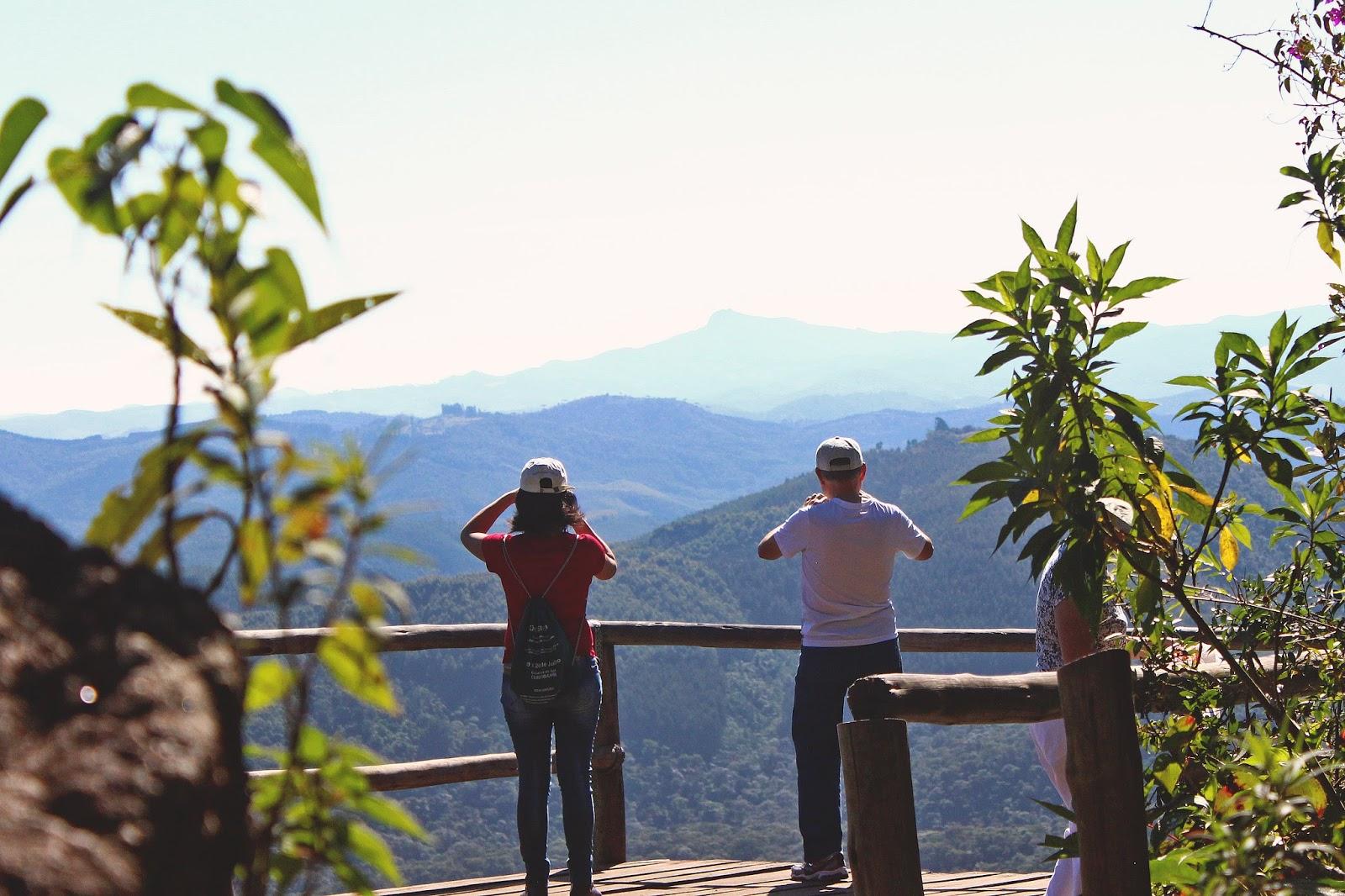 turistas mirante minas gerais