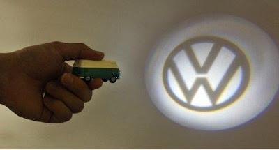 Volkswagen Van Keychain Light