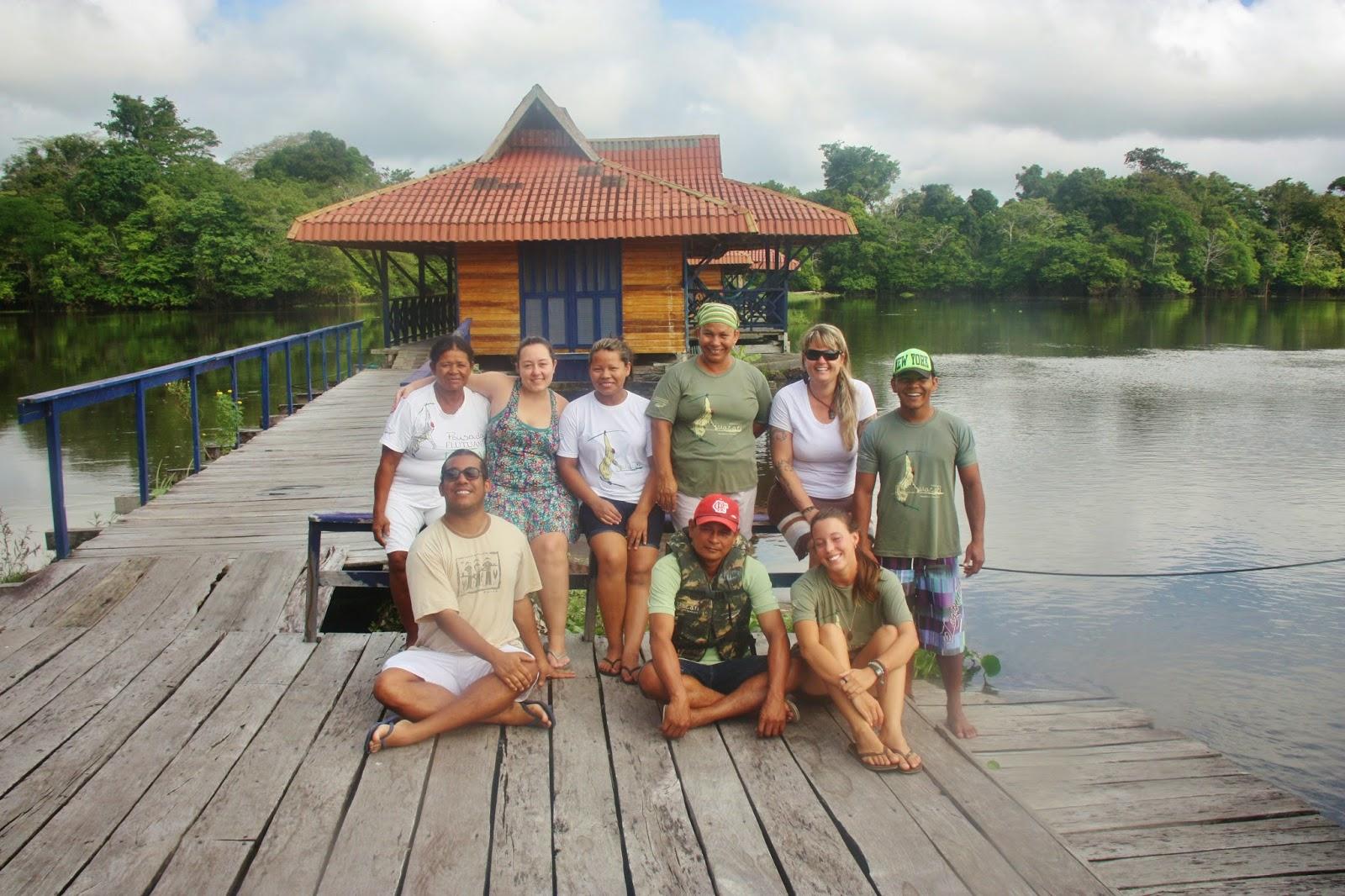 Equipe da Pousada Uacari