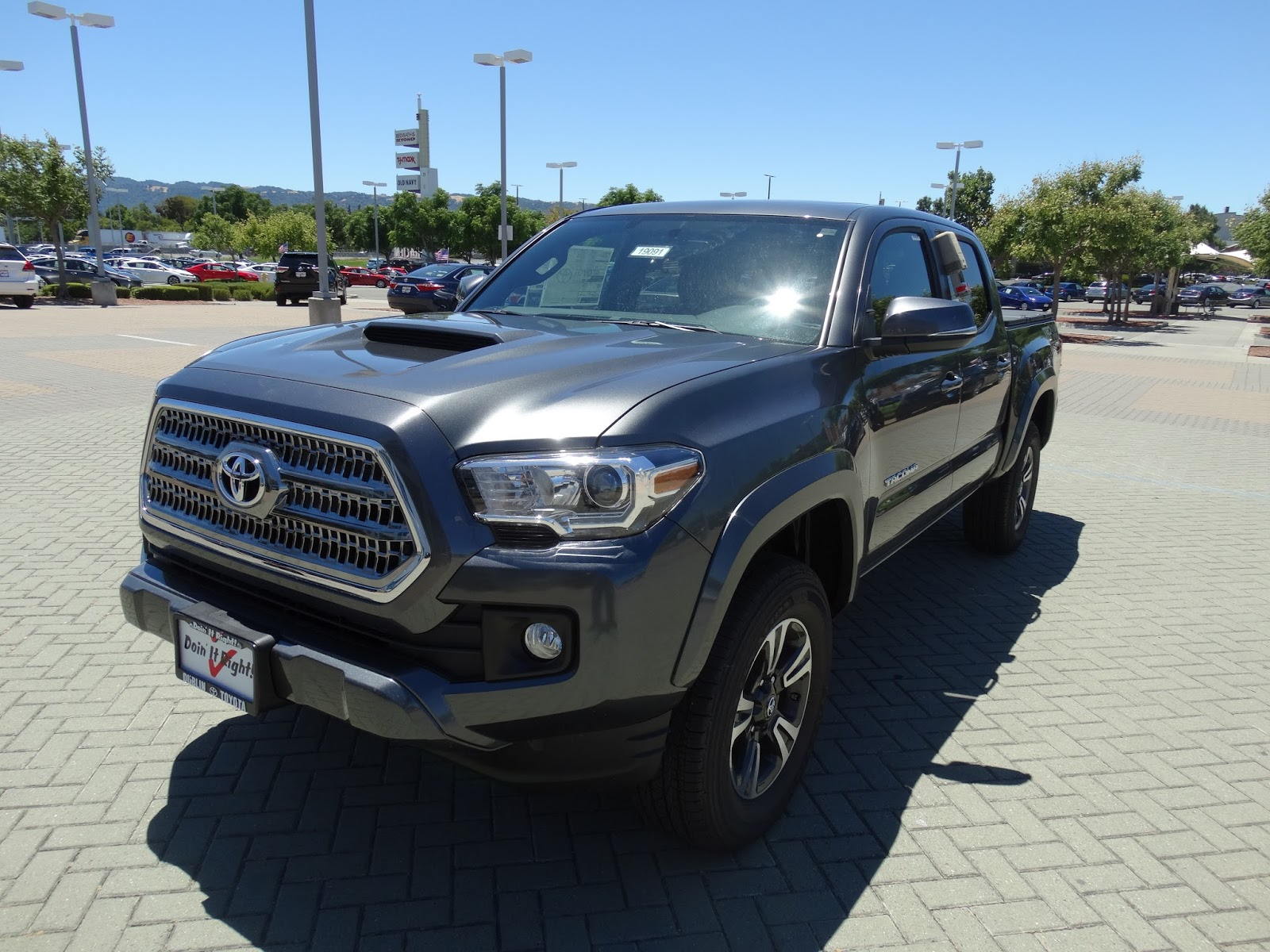 with 3 43 turns to lock the tacoma comes with a speed sensitive hydraulic assist rack and pinion power steering unit this tacoma here comes with an ect  [ 1600 x 1200 Pixel ]