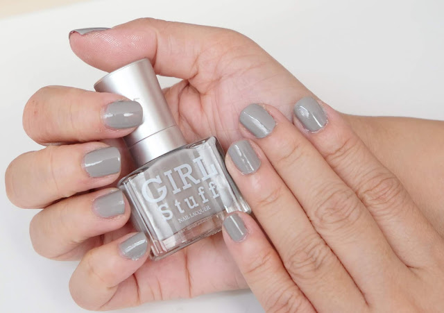 a photo of Nail Art tutorial, space gray nails Girlstuff Exposed Nail Polish