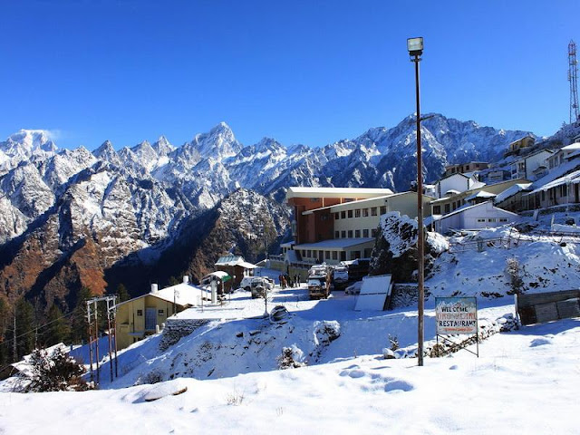 Auli_station,_Uttarakhand,_India