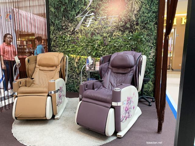 OSIM's Four-Hands Massage Competition : OSIM uLove 2 Massage Chair