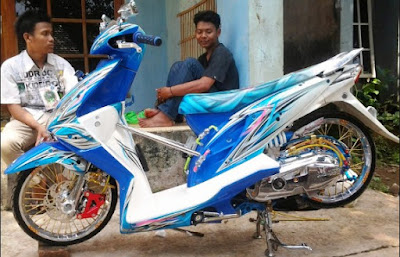 Modifikasi Honda Beat Airbrush Biru Putih