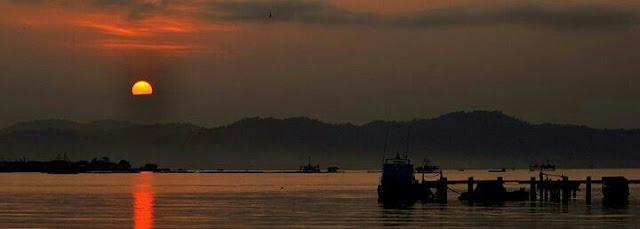 Sunset di pantai Puri Gading