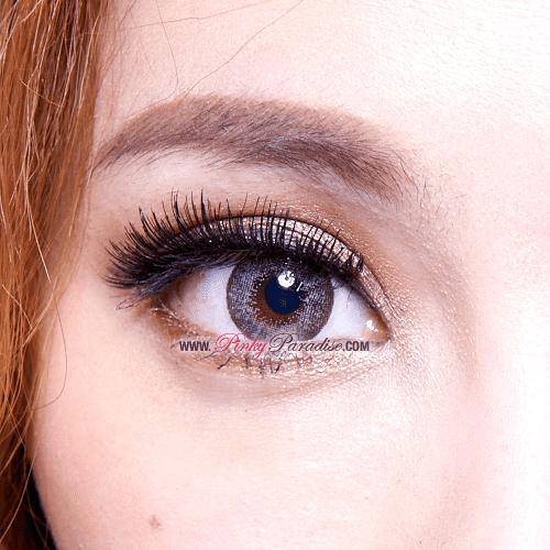 Mi Dali Extra Grey Toric Circle Lenses Close-up