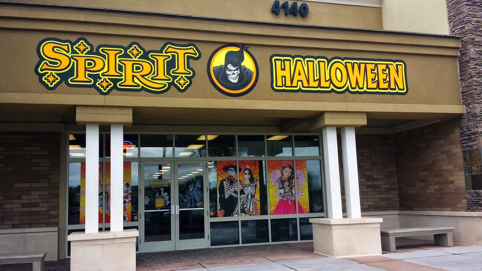 Spirit Halloween stores accepts returned items within 14 days of their original purchase. The returned items must still be in their original packaging and have no signs of wear or use. During the Halloween season, online purchases can be returned in stores. The .