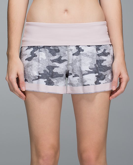lululemon ready to roll short lotus camo
