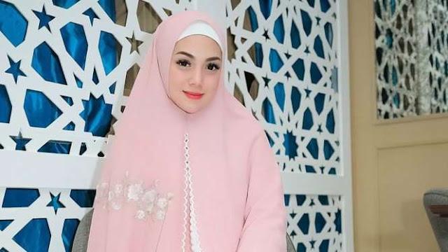 Celine Evangelista Tampil Berhijab, Netizen Langsung Heboh