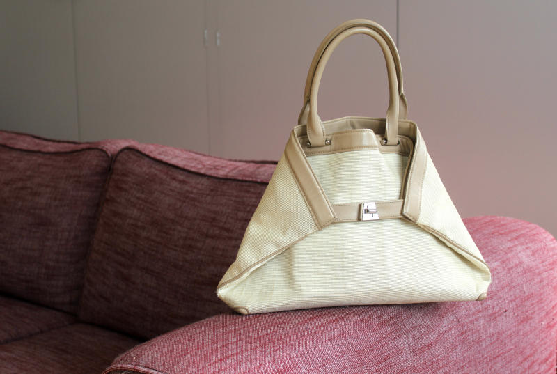Akris Ai Horsehair Bag In Cream And Taupe