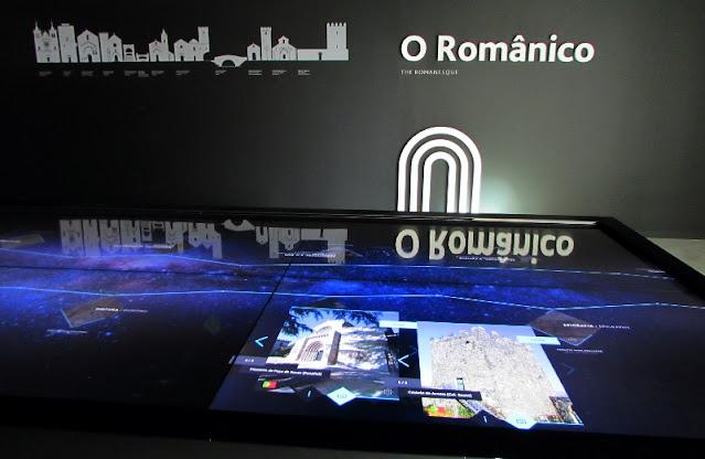 painel indicativo do Centro de Interpretação do Românico