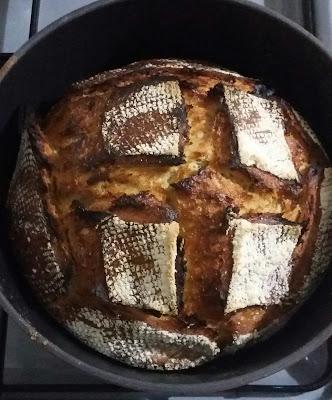 20151211 175040 1 - Güzel Bir Hediye İle Ekşi Mayalı Ekmek Yapmak..