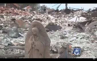 Phép lạ kì diệu: Tượng Đức Mẹ còn nguyên vẹn sau sự phá hủy của cơn bão tố.