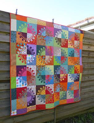 Forside af den næsten 2 x 2 meter store quilt