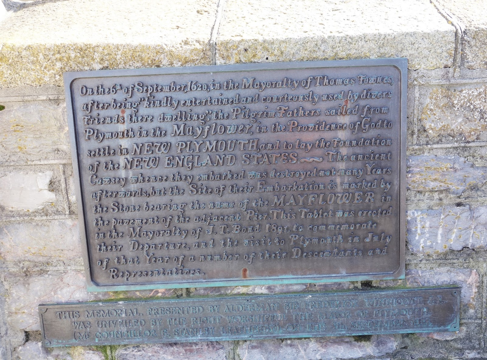 Plaque commemorating the sailing of the Pilgrim Fathers from Plymouth, Devon, in 1620