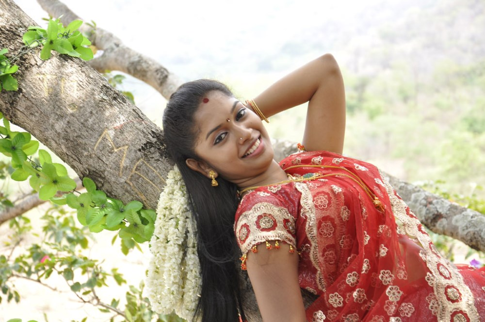Tamil actress Priyanka images in Saranalayam movie | Wallpaper