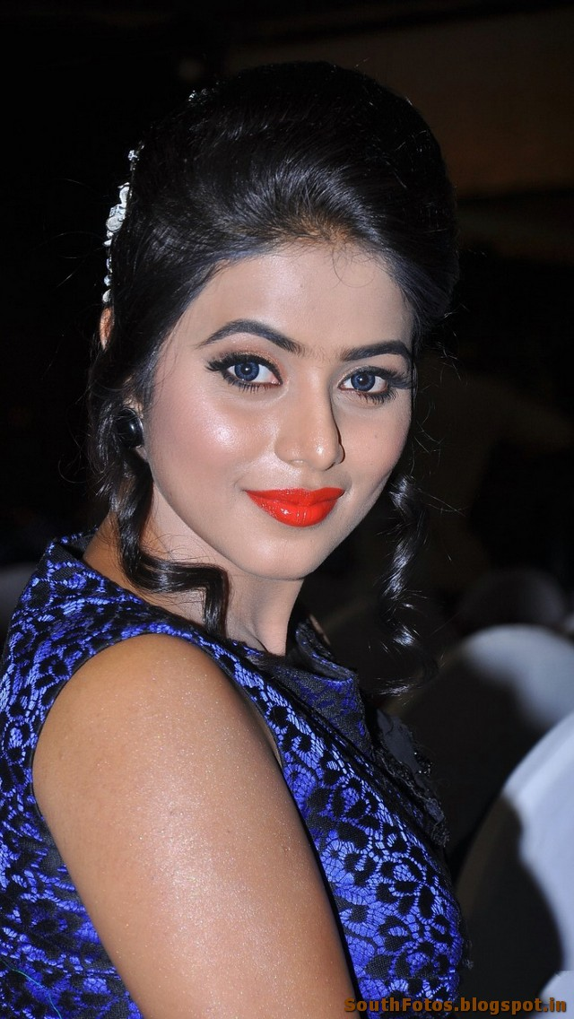 Poorna Sexy Photo Gallery