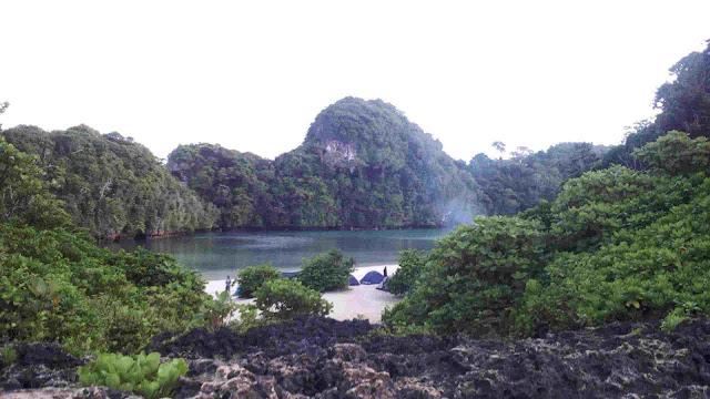 Pulau Sempu di seberang sendang biru