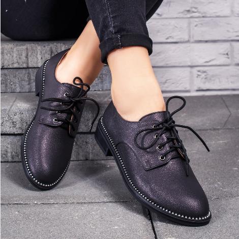 Pantofi casual femei negri moderni cu pietricele la reducere