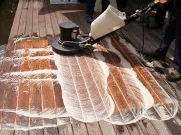 Merawat lantai kayu agar mengkilap dan awet