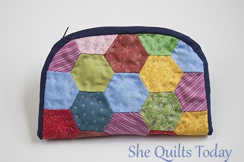 como hacer una bolsita acolchada con hexagonos