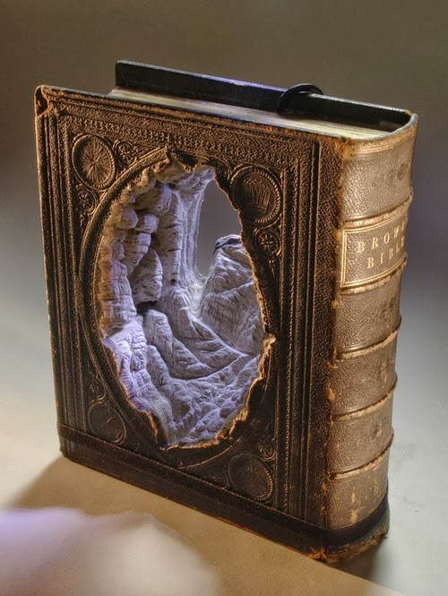 10-Guy-Laramee-Book-Sculptures-Encyclopedias-Dictionaries-www-designstack-co