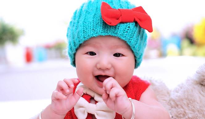 bayi senyum