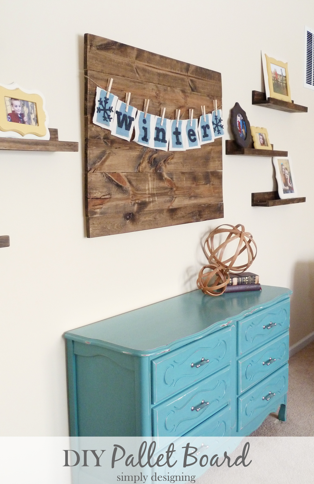 DIY Distressed Pallet Board | #diy #homedecor #palletboard