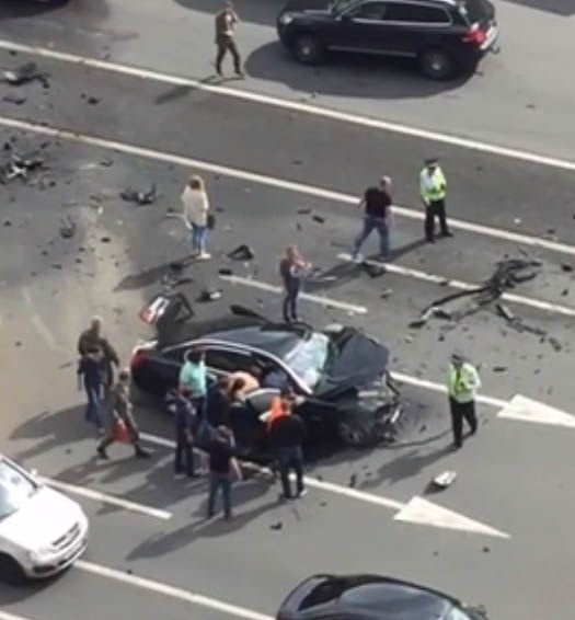 the best people die young, Moscow car crash