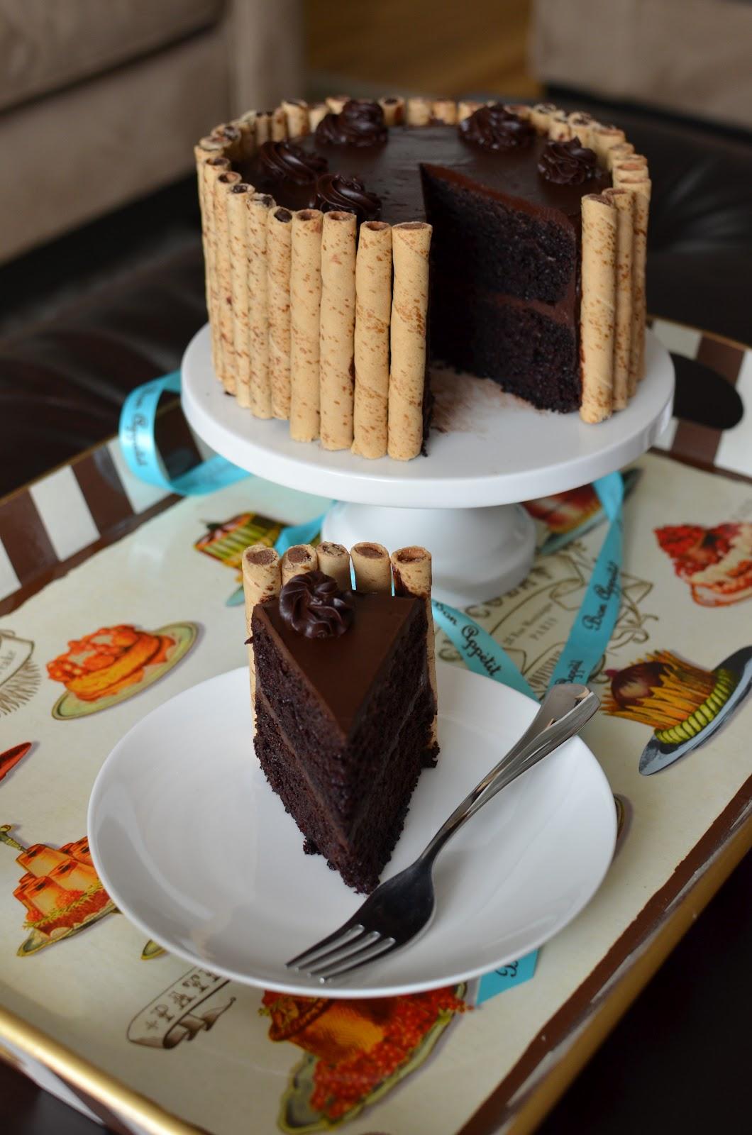 Ribbon Frosting Cake