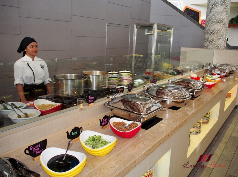 bintan lagoon resort buffet breakfast live noodle station