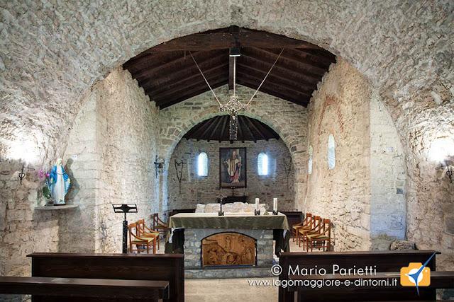 Vista interna della chiesa di san Clemente a Caravate