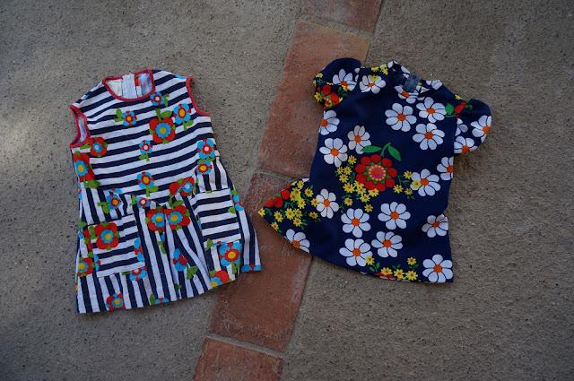 des mini robes pour la petite Joanne  70s floral mini dresses
