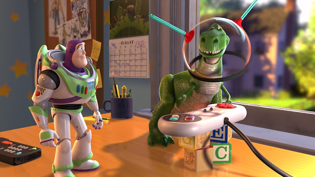 Buzz Lightyear and an alien in Toy Story 2