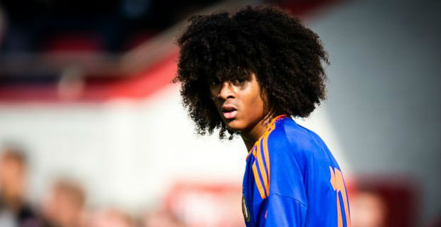 Manchester United agree Tahith Chong deal