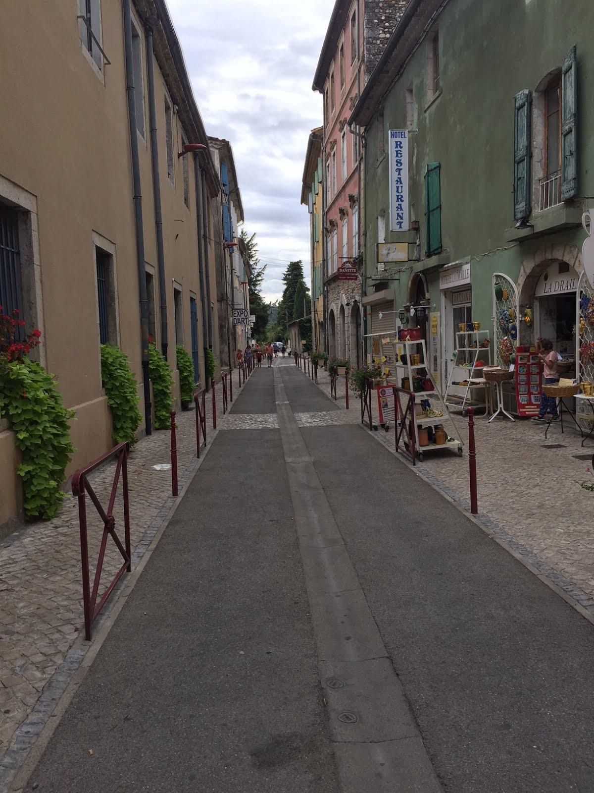 Le reboussier anduze ville non pollu e sauf la rue du luxembourg qui pue les gouts malgr les - Restaurant rue des bains luxembourg ...