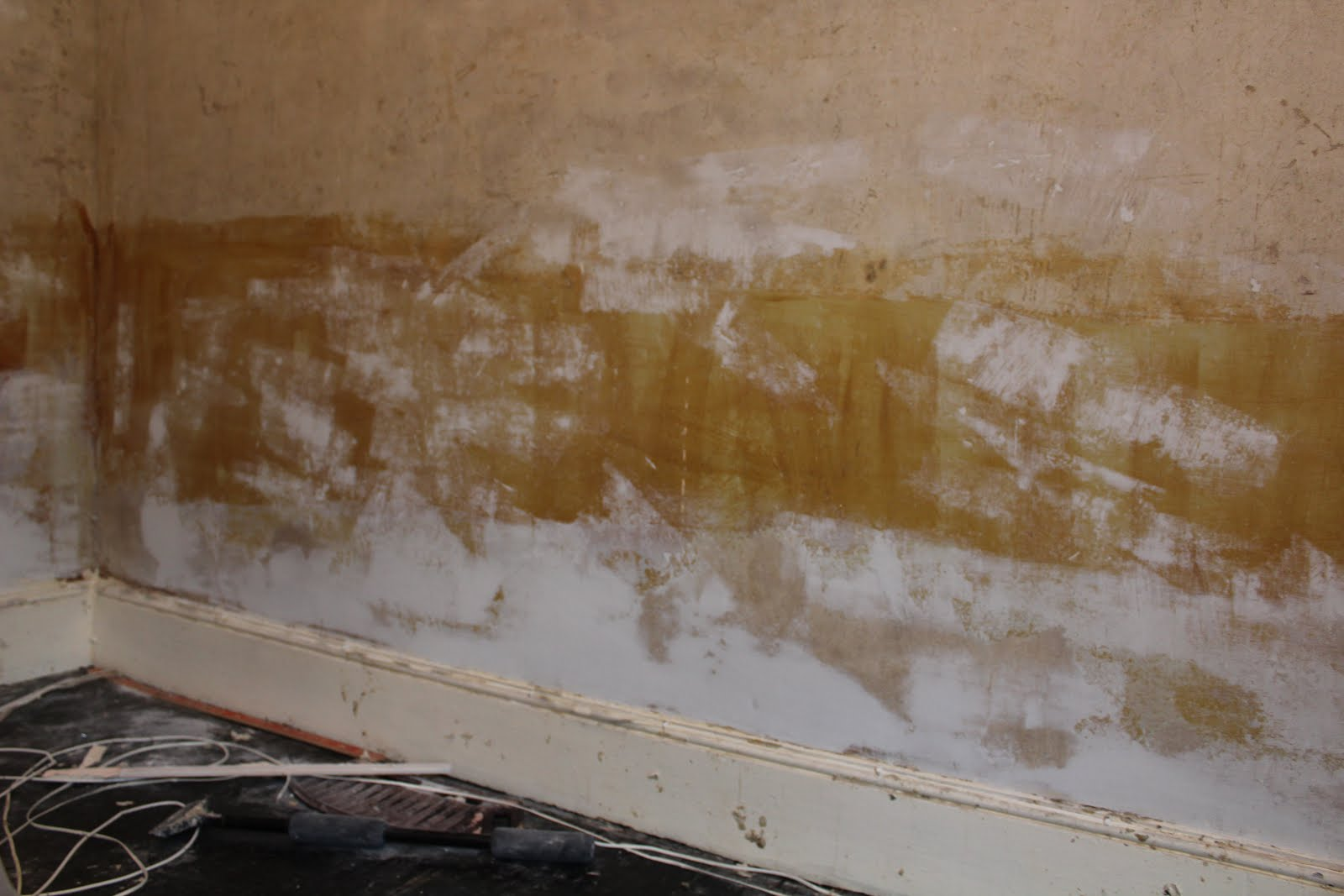 repairing plaster above skirting