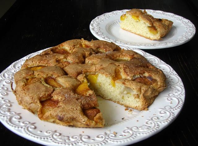 brzosk Ciasto ucierane z nektarynkami