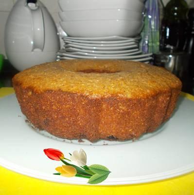 Receita de bolo de sêmola de milho com frutos secos e aveia
