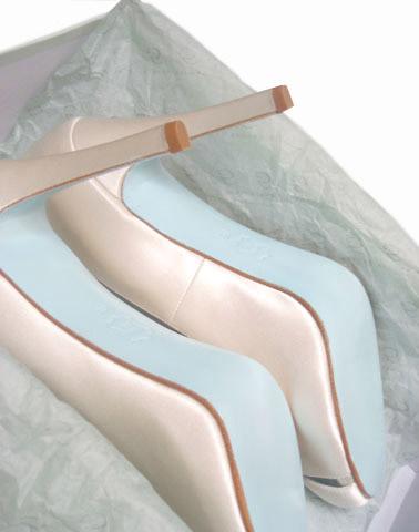 April Bridal Shoes L Blue Sole Trend