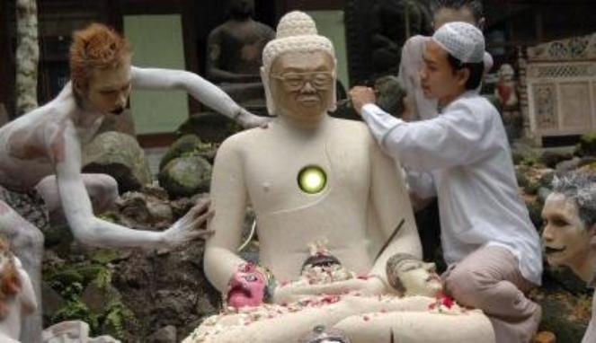 Heboh, Patung Budha Berkepala Gus Dur