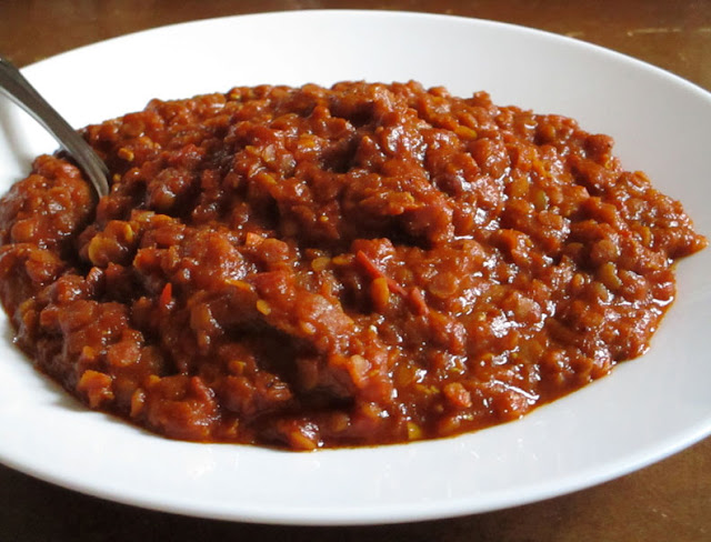 Red Lentils in a Spicy Tomato Sauce