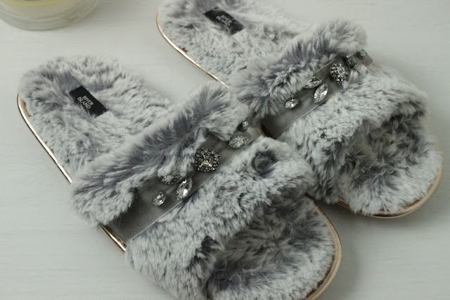 river island slippers