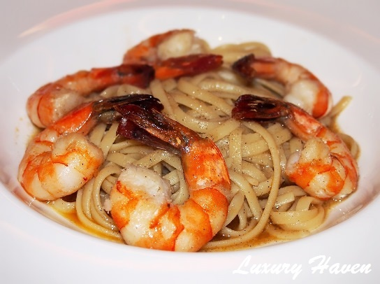 parsley thyme restaurant prawn aglio olio review