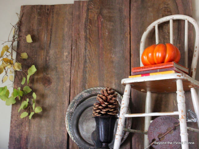 Fall Junkers Unite, 5 Ways to Use Junk In Your Fall Decor, Pin Board and Link Party http://bec4-beyondthepicketfence.blogspot.com/