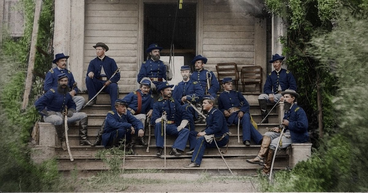 Striking Colorized Photographs Show Soldiers From Both