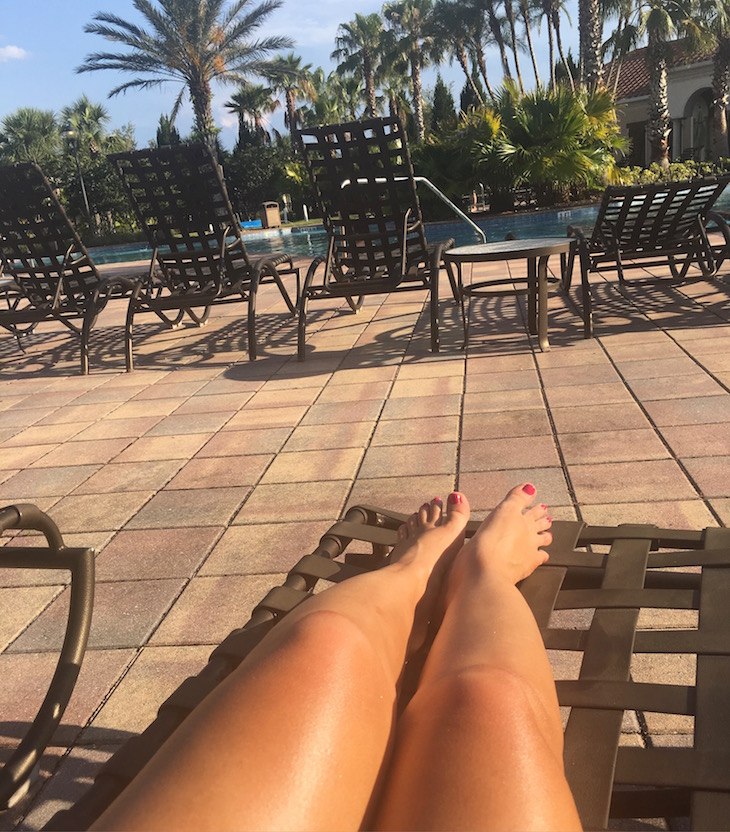 Sunbathing-Liberata-Marula-Self-Tan-Dry-Oil-Vivi-Brizuela-PinkOrchidMakeup