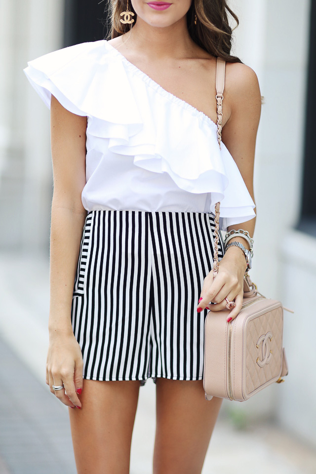 Vertical stripes elongate your body - love these cute ones!