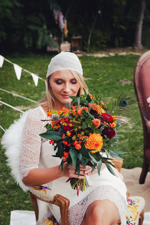 shooting mariage d 39 inspiration hippie chic se marier les pieds dans l 39 herbe partie 1. Black Bedroom Furniture Sets. Home Design Ideas