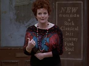 Brenda Blethyn as Mari Hoff